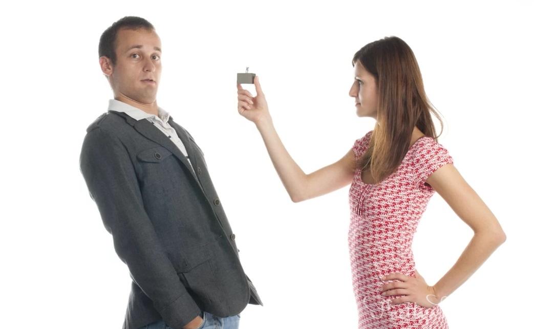 К за знакомой муж бегает советом своей